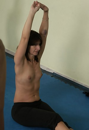 Free Fitness Mature Porn Pictures